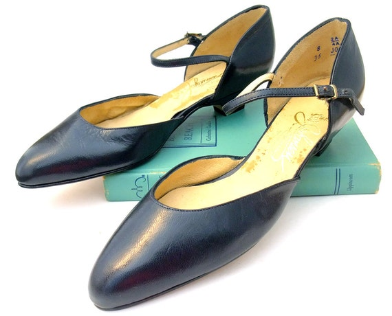 Vintage Shoes Navy Blue Leather Ankle Strap Unworn 80s NOS 8 Narrow