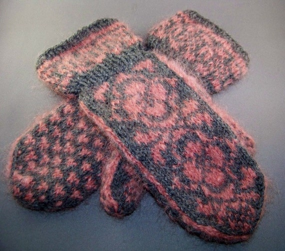 Handknit Mohair and Wool Blend Cuff Mittens in Heather Grey and Dusty Pink