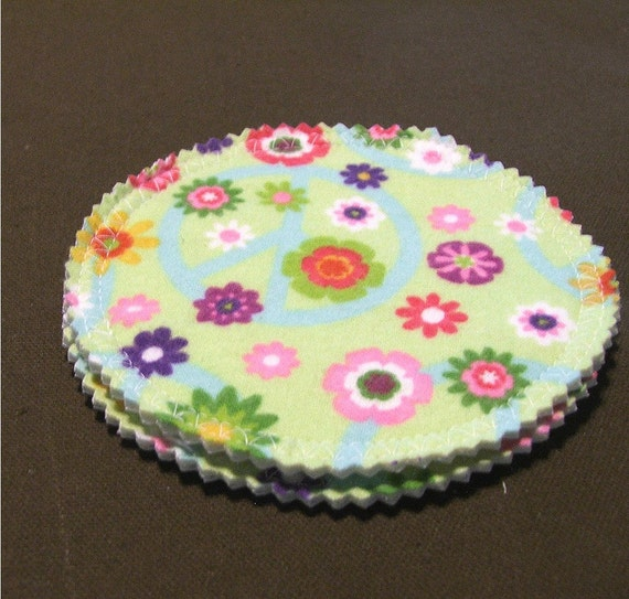 Reusable Cloth Nursing Pad Set - Bamboo and Organic Cotton with PUL - 1 pair in Flower Power