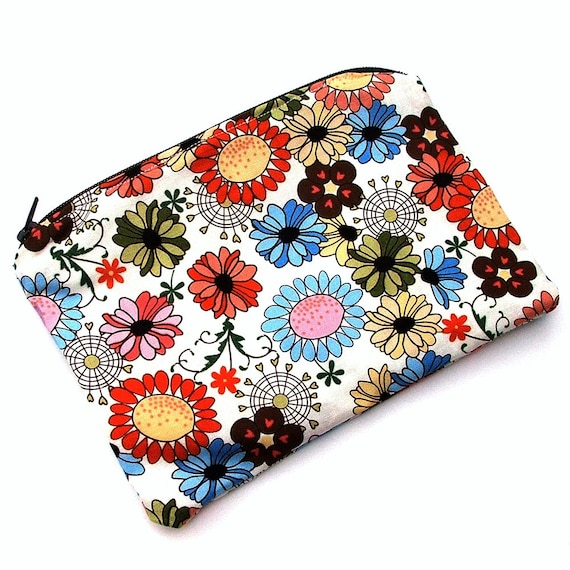 WeeWetBag Wet Bag for your purse or diaper bag - 5 X 7 inches - Retro Floral Quilters Cotton by designer Heidi Grace