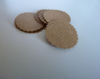 Circle sticker envelope seals - kraft brown with scalloped edges