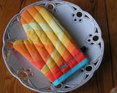 The Cheerful Cookies Baking Aid aka Oven Mitt Yellow - Orange - Red Waves