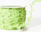 CLEARANCE - Burlap Loop Edged Wired Ribbon in Parrot Green - 2 yd bundle