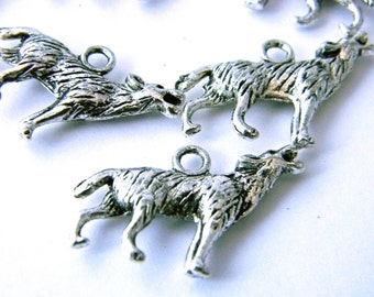 Wolf Charms Set of 10 Silver Color 19x26mm
