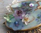 Vintage Violet, Tea Time, Teacup Brooch
