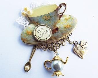 Blue Chintz Brooch, Blue Chintz, Tea Cup Brooch, Tea Party Jewelry, Tea Lover Jewelry, Tea Lover Gift