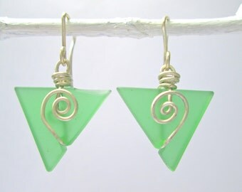 clover seaglass baby triangle earrings with spirals