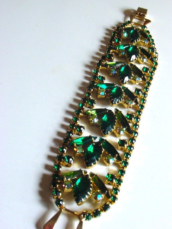 Vintage rhinestone bracelet . sparkly emerald peridot greens