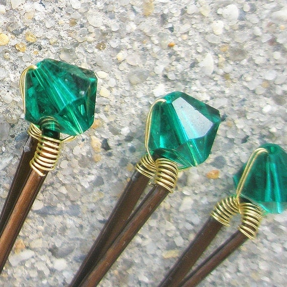 Green Hair Pins - Emerald Swarovski Crystal  (set of 6 bobby  pins) wedding hair accessories