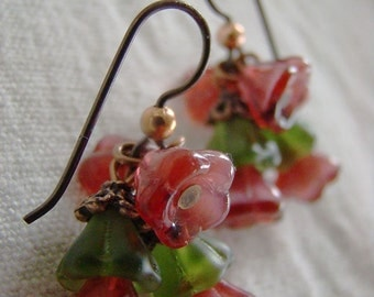 Cranberry Red and Olive flower bead Earrings, niobium hypo-allergenic, copper