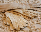 SALE Vintage Gloves Size 6-7 Lot AS IS