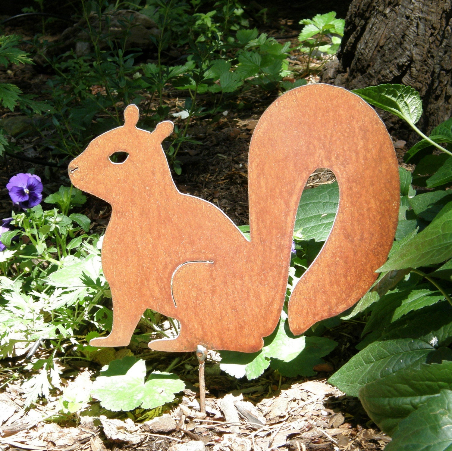 rusty finish metal garden art squirrel yard stake. Black Bedroom Furniture Sets. Home Design Ideas