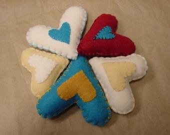 HEART BOWL FILLERS / stuffed felt hearts / folk art hearts / hand stitched hearts / Valentine decor / Valentine gift / little felt hearts