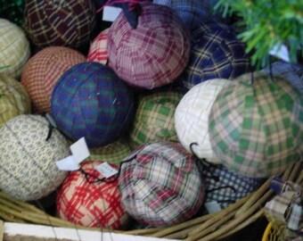 RAG BALLS and EGGS E-Book / how to make primitive grubby rag balls & eggs / Bonus Grubby Stain Recipe / make rag balls / primitive home dec