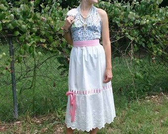 VINTAGE WHITE EMBROIDERED SKIRT with PINK RIBBON