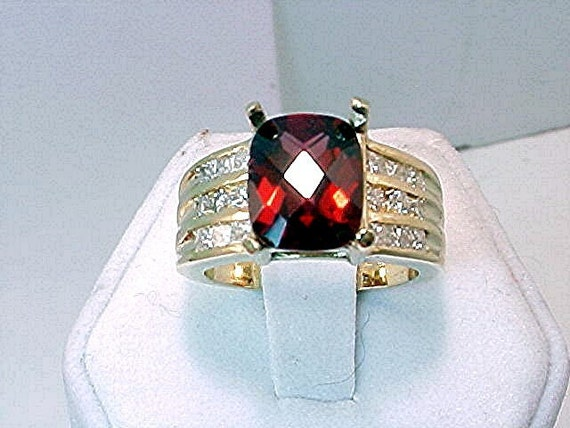 3 Carat RED Pyrope Almandine Garnet 14K gold Diamond ring  066