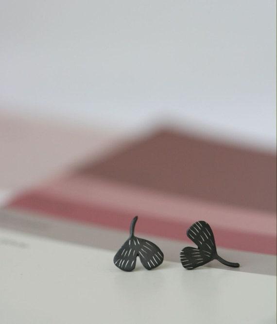 Tiny Leaf Studs