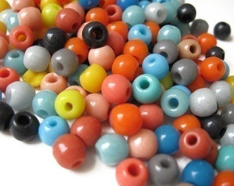 SALE: 1 ounce vintage 6mm round glass bead mix / bead grab bag / mixed glass beads