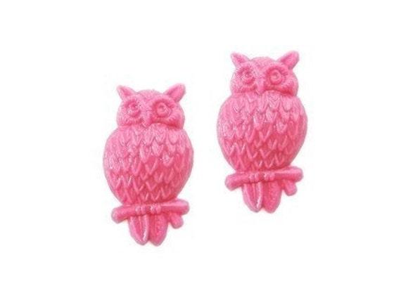 hot pink small vintage plastic owl cabochons, 2 pcs