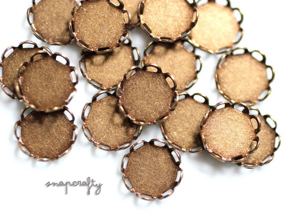 20pc 10mm antique brass lace edge bezel blanks / cabochon setting blanks / cameo settings / brass ox round blank / 10mm round cab setting