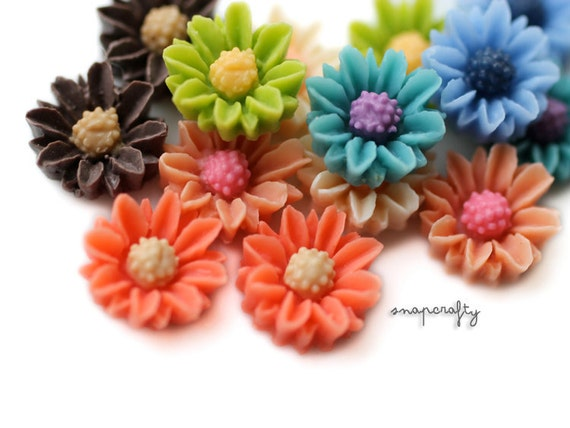 20pc two-tone miniature daisy cabochons, matte resin, flatback for gluing to hairpins and rings 9mm, choose your colors