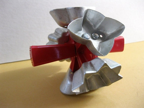 Vintage Five in One Aluminum Wear Ever Cookie Cutter with Red Handle