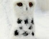 Snowy Owl wool finger puppet