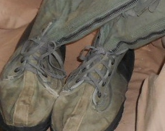 VINTAGE MILITARY BOOTS, Knee High, Canvas, wool liners, laces, zippers, drab olive, funky chic