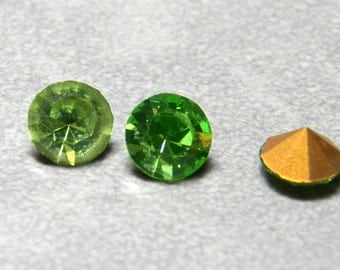 Vintage Swarovski Peridot Round 29ss Faceted Crystal Chatons (12)
