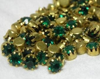 Vintage Swarovski Emerald 4mm Rhinestone in Brass Prong Setting (12)