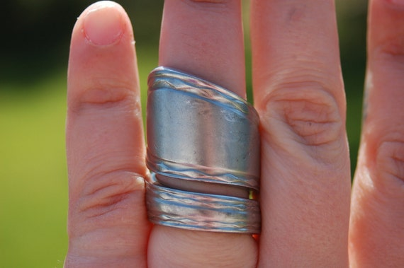 Diamond edge huge ring