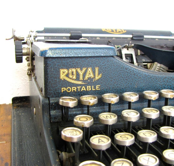 Vintage Royal Blue 1930s Portable Typewriter with original wooden case glass keys DeLuxe