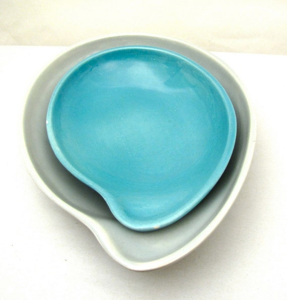 Mid Century set of comma serving bowls by Eva Zeisel for Red Wing Pottery - Town and Country Line 1940s 1950s