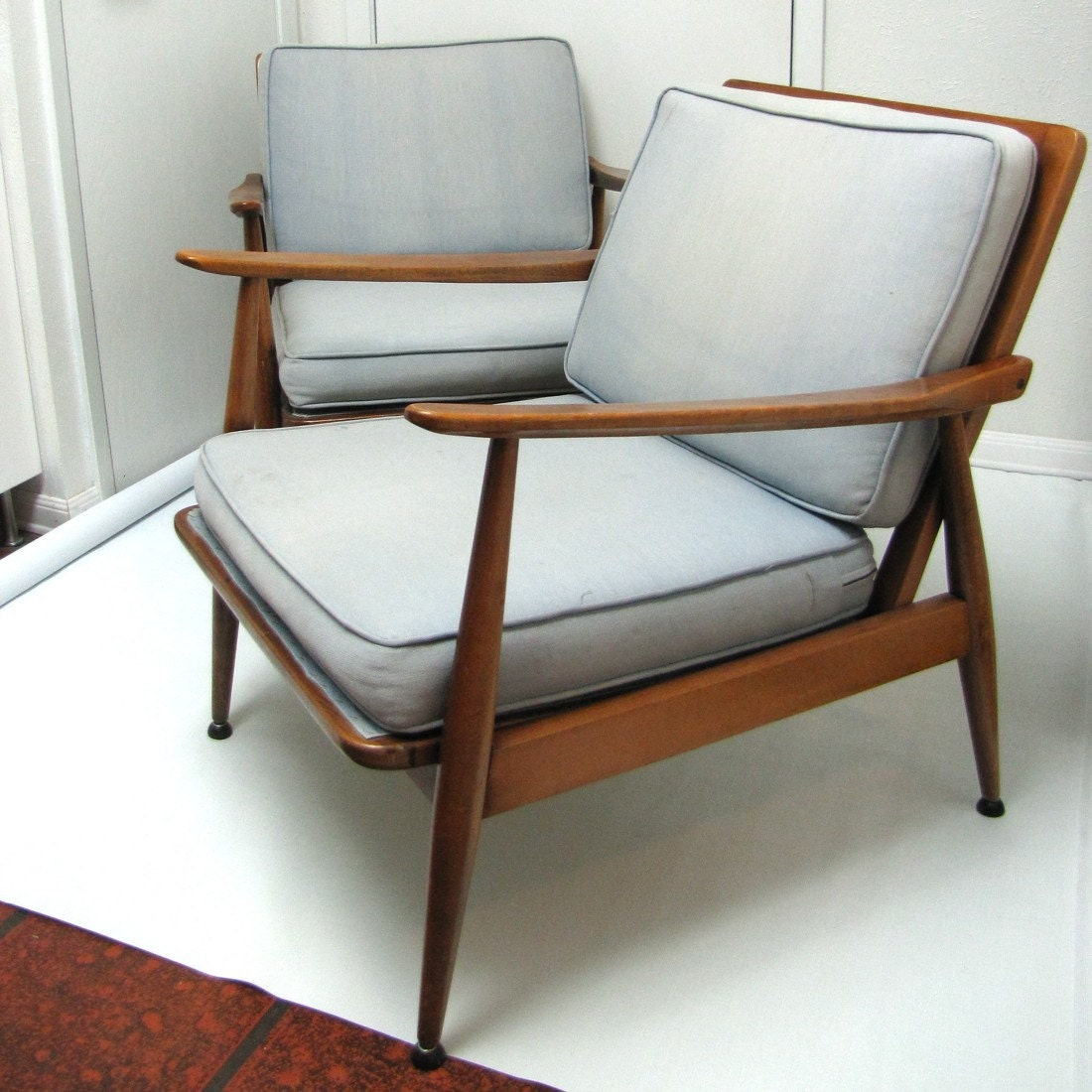 Vintage pair danish modern arm chairs flat pack construction for Danische mobel hamburg