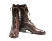 Size 6.5 Vintage Dark Brown Leather lace Up Boots