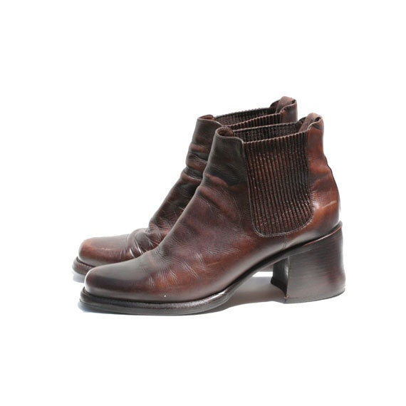 Size 9 Cole Haan Chocolate Brown Leather Chelsea Ankle Boots