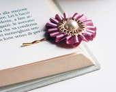 Tea Rose and Ivory - Vintage style Gold Hair Pin