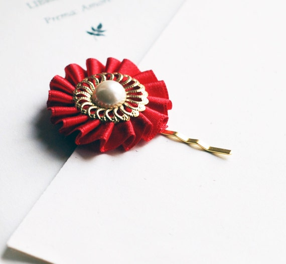 Red and Ivory - Vintage style Gold Hair Pin