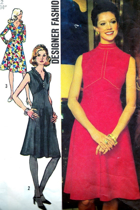 Vintage Sewing Pattern 1970s Simplicity 5011 Empire Waist Dress with Bias Skirt Size 12 Bust 34