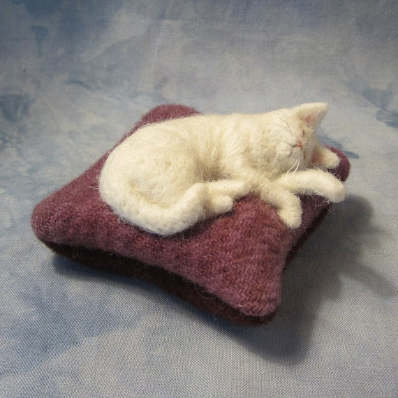 PLACE AN ORDER for a Sleeping Kitty Pincushion (32712)