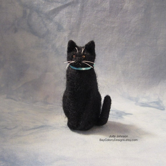 READY FOR ADOPTION Needle-Felted Sitting Kitty with aqua bow (61512b)