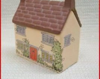 SPECIAL SALE   Wade Whimsey on Why Vintage Porcelain House Broomyshaw Cottage Number 21