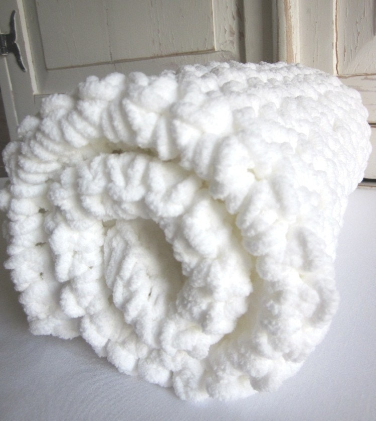 Plush super-soft crocheted baby blanket MARSHMALLOW