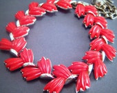 vintage thermoset necklace. cherry red