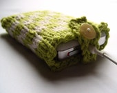 Knit iPod Cozy in Checkered White and Green by KnitStorm