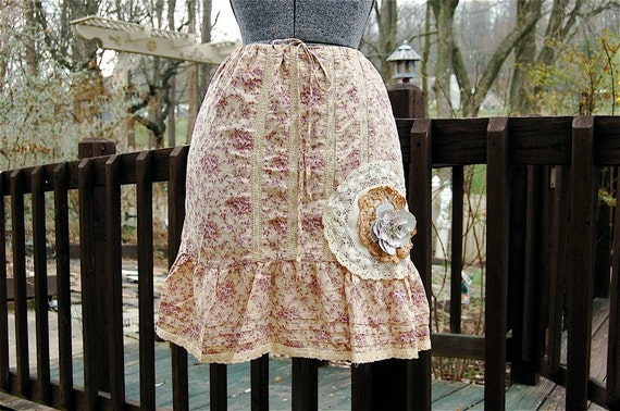 Romantic Flirty Upcycled French Market hand-dyed Lilac Spring Skirt Country Prairie Farmhouse Cottage Chic Shabby Chic Eco Recycled  Medium