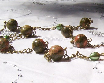 Virginia Necklace in Unakite and Pearl