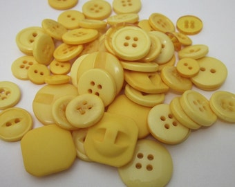 60g Mixed Yellow Buttons