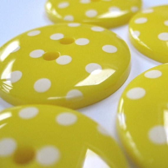 10 Bright Yellow Polkadot Buttons