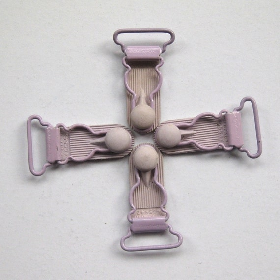 12 Suspender Clips